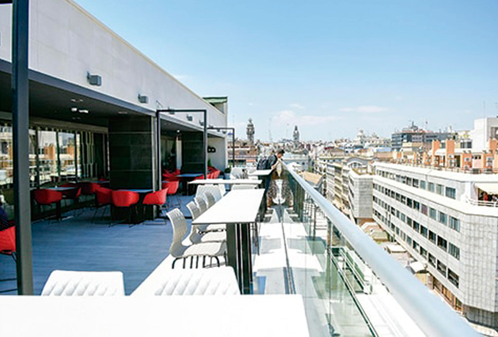 El-corte-ingles-rooftop-pub-crawl-madrid