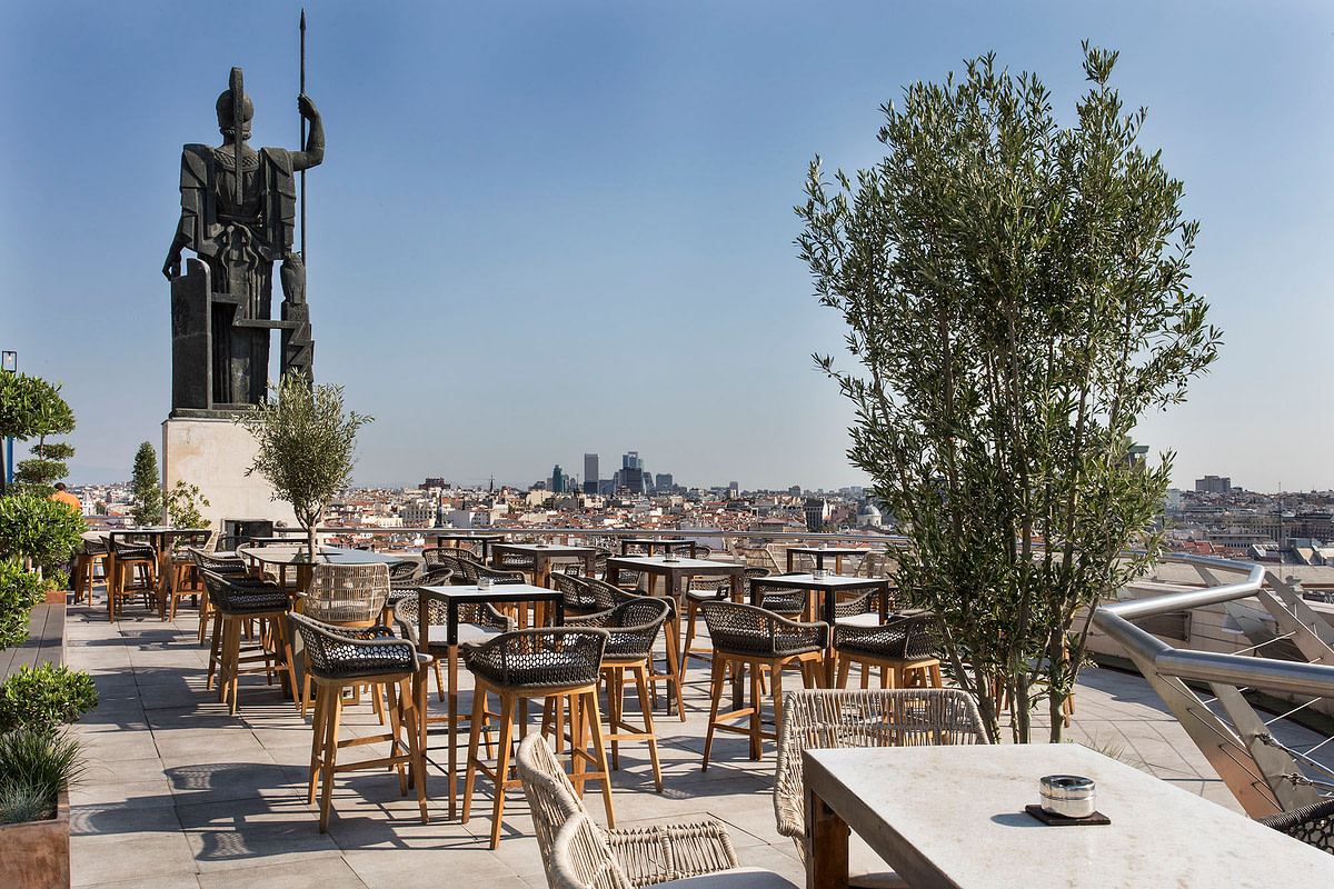 5. Rooftop Bar Madrid Circulo de Bellas Artes pub crawl