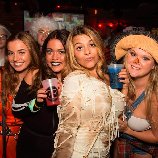 halloween pub crawl madrid 2020